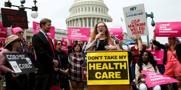 Malgré le retour de John McCain, pas sûr que Donald Trump arrive à faire abroger l'Obamacare