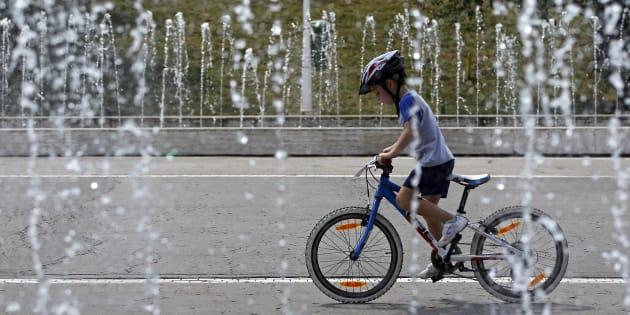 Le casque est désormais obligatoire pour les enfants de moins de 12 ans à vélo.