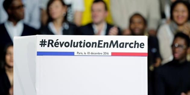 Le podium du meeting d'Emmanuel Macron, leader du mouvement En Marche! et candidat à l'élection présidentielle 2017, à Paris, le 10 décembre 2016.