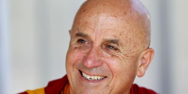 Le moine bouddhiste Matthieu Ricard signe une bûche de Noël vegan/ Matthieu Ricard en 2011