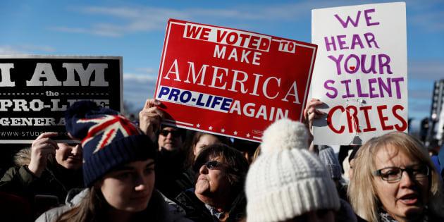 """Le """"total soutien"""" de Donald Trump aux manifestants anti-avortement réunis à Washington"""