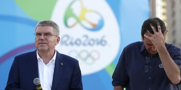 Então prefeito do Rio de Janeiro, Eduardo Paes, com o presidente do Comitê Olímpico Internacional (COI), Thomas Bach.