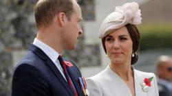 El anticuado motivo por el que la familia real británica no firma