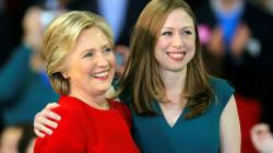 Tras los comportamientos 'raros' de Barron Trump, Chelsea Clinton sale en su