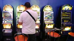 Negli ultimi 10 anni gli italiani hanno perso 181 mld di euro giocando d'azzardo. Il record è al