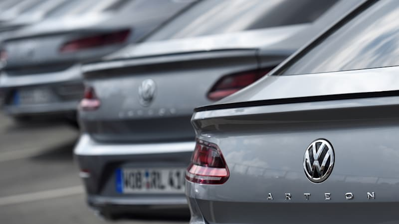 Volkswagen buys back old cars at discounts in Germany