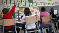 Los docentes españoles trabajan una media de 200 horas menos que en la