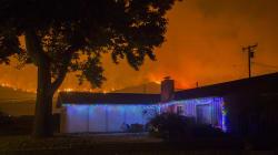 Incendies: mince espoir d'accalmie en
