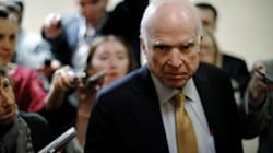 McCain demande à Trump de cesser d'attaquer les