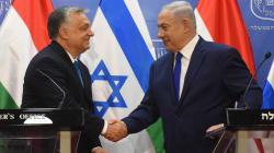 Netanyahu festeggia l'etnocrazia d'Israele con Orban, smacchiato di antisemitismo (di U. De