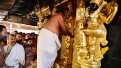 Due donne riescono a entrare nel tempio indù, poi i custodi lo chiudono per