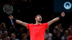 Un Russe de 22 ans crée la surprise en triomphant de Djokovic à