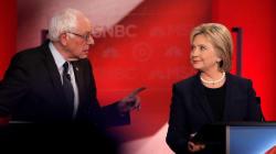 Dans son livre, Clinton s'en prend à Bernie Sanders et ses