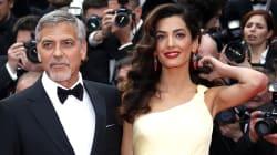 George Clooney e Amal hanno regalato delle cuffie ai passeggeri di un volo per proteggerli dal pianto dei loro