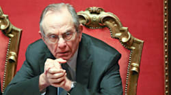 M5S tampina Padoan sulle banche: mercoledì interrogazione su Visco e il conflitto d'interessi della Boschi (di B. Di