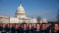 FOTOS: Los Zuckerbergs de cartón que aparecieron afuera del Capitolio en