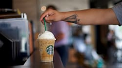 Starbucks Becomes Largest Food Chain To Ditch Plastic
