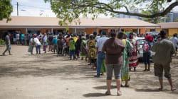 Les Calédoniens très nombreux à voter à Nouméa pour le référendum sur