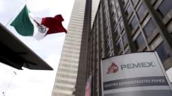 AMLO despide a 3 directivos de Pemex ligados a la Estafa