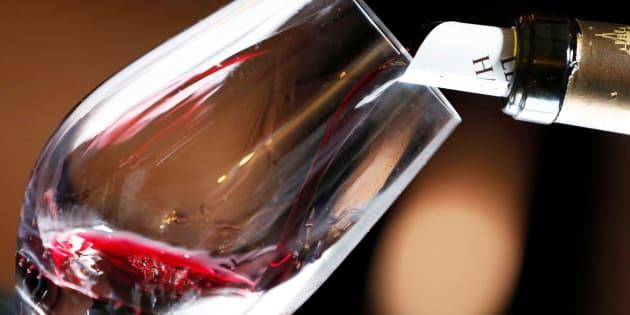 Na promoção relâmpago, estão sendo vendidos vinhos tintos e brancos e rosé, de várias uvas.