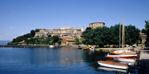 Si tuffa nel lago di Bolsena per salvare un bambina, ambulante marocchini di 25 anni muore annegato