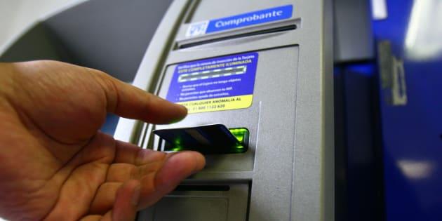 Tan solo en el 2017 los ingresos de la banca por concepto de comisiones, fue de 108 mil millones de pesos.