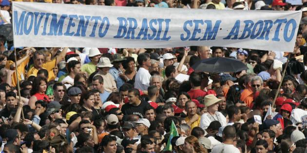 O avanço da agenda fundamentalista no Brasil não vem isolado. Ecoa pautas de grupos extremistas em outros países e se estende a toda uma gama de direitos.