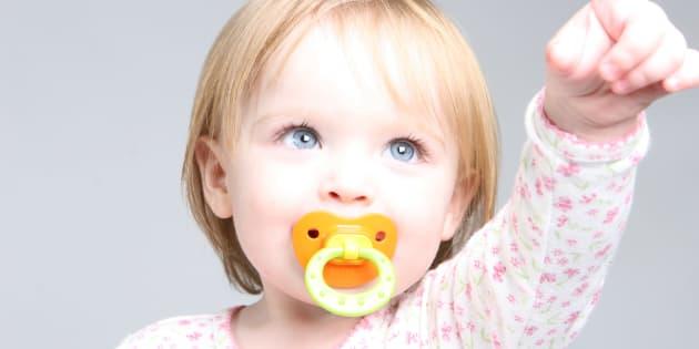 Ce qui m'a fait changer d'avis sur la tétine après la naissance de ma fille.