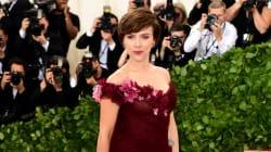 Accusée de soutenir Weinstein avec cette robe, Scarlett Johansson répond à la