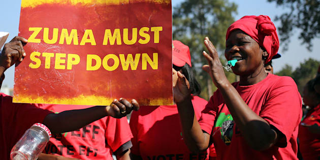 Anti-Zuma protesters and members of the EFF ahead of the vote of no confidence in President Jacob Zuma last year.