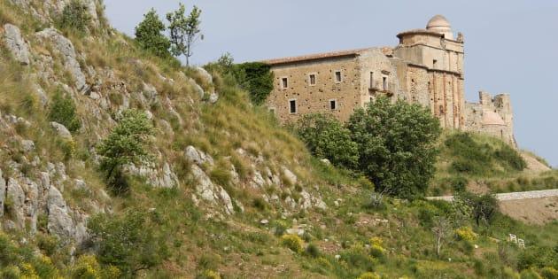 In Sicilia un monastero del 1090 rischia di essere pignorato