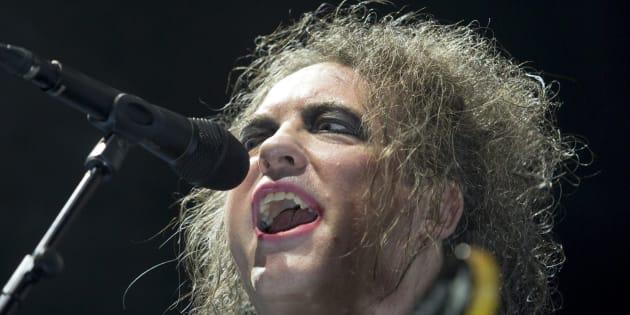 Robert Smith, le leader et guitariste du groupe, en concert à Budapest le 27 octobre dernier.