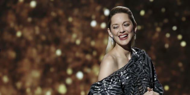 Aux César 2018, la robe de Marion Cotillard n'est pas passée inaperçue