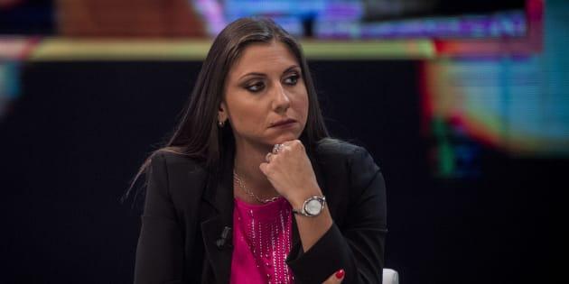 Costretta a togliere i tacchi, Anna Ascani si giustifica con