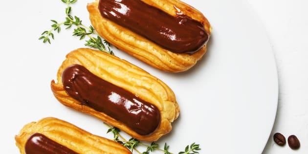 Roulés et éclairs au chocolat, panna cotta à arômatiser selon ses goûts... Les finalistes du Meilleur Pâtissier nous proposent trois recette de desserts faciles et rapides (photo d'illustration)