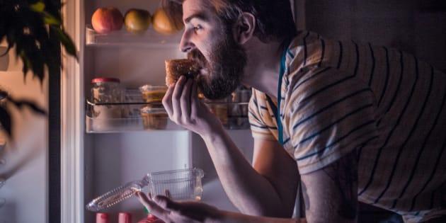 Gli spuntini di mezzanotte più sani, secondo i nutrizionisti