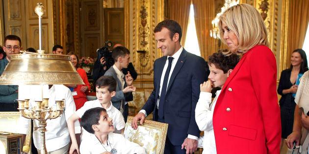 Brigitte Macron n'a toujours pas de rôle officiel, mais on sait à quoi ressemble son bureau