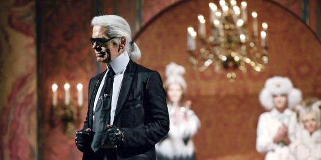Para conmemorar los 50 años de Karl Lagerfeld frente a Fendi, en 2015 lanzaron  el libro'Fendi by Karl Lagerfeld'.