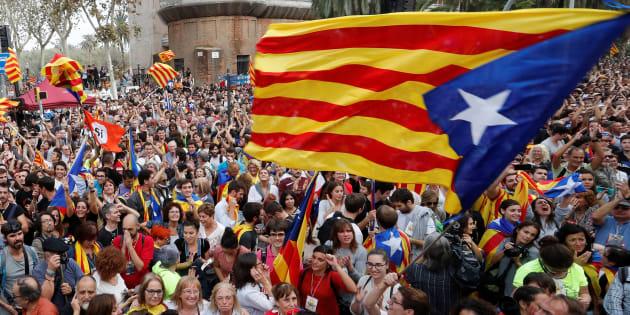 É inevitável a imediata aplicação do dispositivo pois a situação é excepcional e o objetivo é proteger a Catalunha, diz o presidente espanhol, Mariano Rajoy.