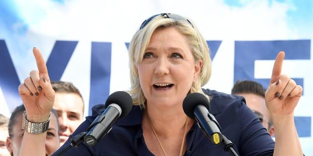 Marine Le Pen a déjà des idées pour le nouveau nom du FN et vous met au défi de les trouver.