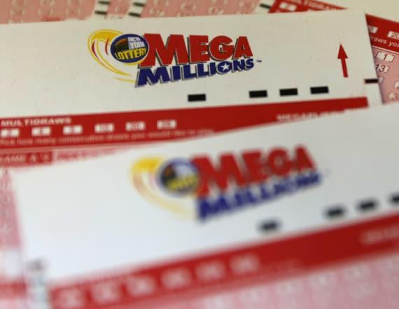 Mega Millions lottery hits record $1.6 bln