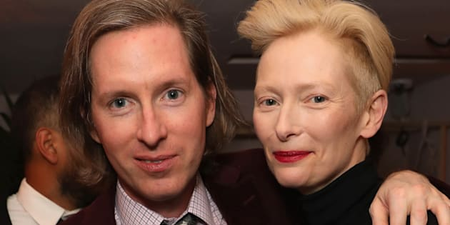 "Wes Anderson en compagnie de l'une de ses actrices fétiches: Tilda Swinton, qui sera à l'affiche de ""The French Dispatch""."