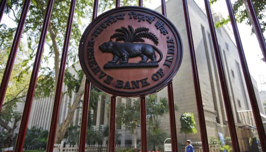 RBI, Modi Govt Signal Temporary Truce After Nine-Hour Long