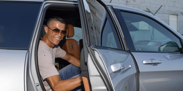 La prima finta di Cristiano Ronaldo spiazza tutti. Atterragg