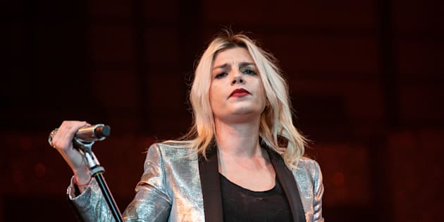 Leghista espulso per post sessista su Emma Marrone