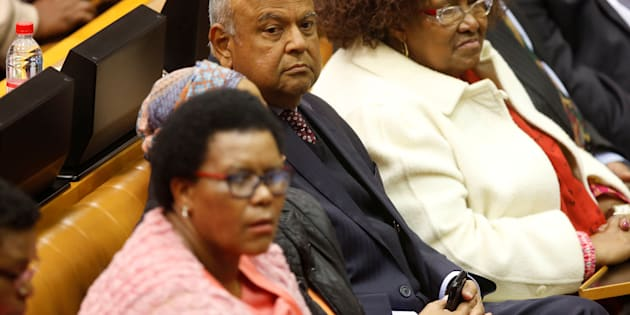 Former Finance Minister Pravin Gordhan listens during the motion of no confidence against South African president Jacob Zuma in parliament in Cape Town, South Africa, August 8, 2017.  REUTERS/Mark Wessels/Pool