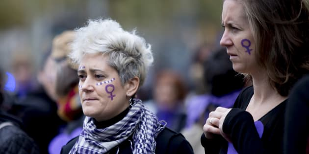 「女性に対する暴力撤廃の国際デー」の11月25日、スペイン・バルセロナでは女性への暴力廃絶を訴えるデモが開かれた