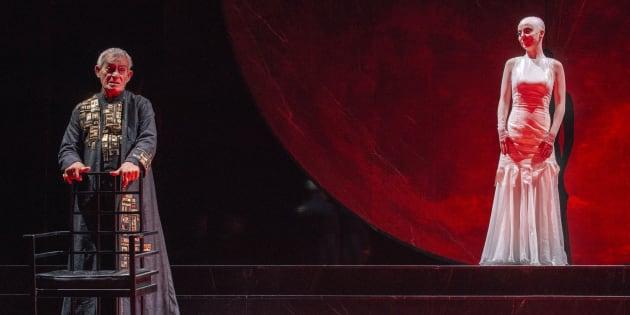 """Eros Pagni e Gaia Aprea in """"Salomè"""", regia di Luca De Fusco"""