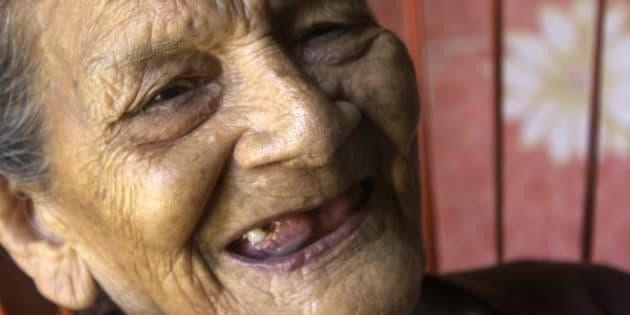 Guadalupe Palacios, 96 ans, a grandi dans la pauvreté, dans un village indigène, et a passé son enfance à aider sa famille à cultiver du maïs et des haricots au lieu d'aller à l'école.