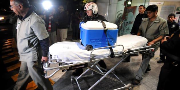 Varios órganos, entre estos un corazón, riñones y corneas, fueron trasladados del puerto de  Acapulco a Toluca en avión, para ser trasplantados finalmente a personas que mantienen una esperanza de vida en el Hospital Siglo XXI, en Ciudad de México, el 21 de agosto de 2014.